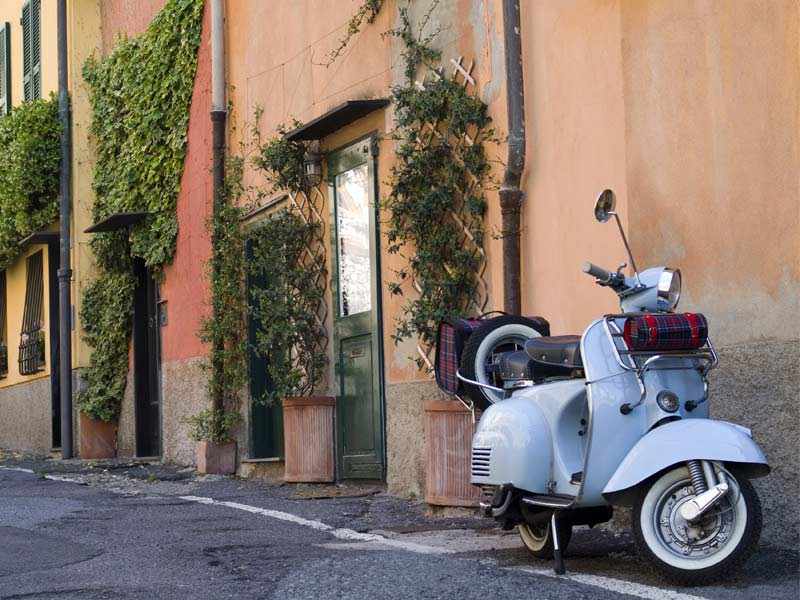 The Vespa: A Book for the Symbol of the Dolce Vita