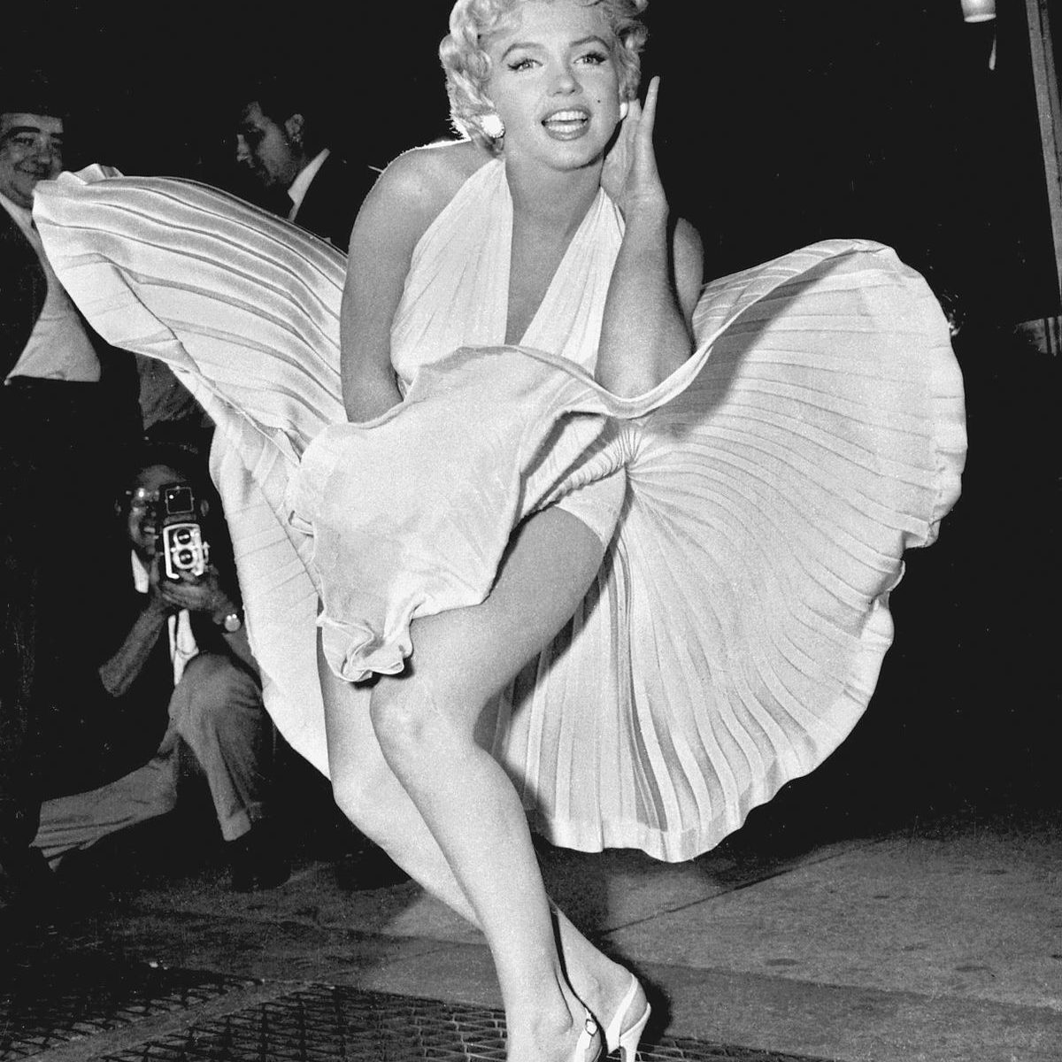 marilyn_monroe_photo_pose_seven_year_itch.jpg