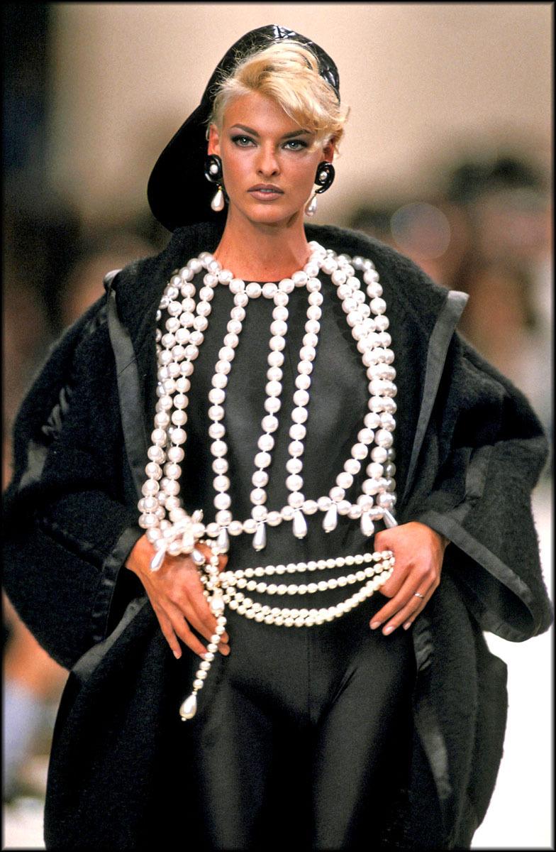 Les Perles Et La Croix Byzantine, Codes Iconiques Des Bijoux Chanel