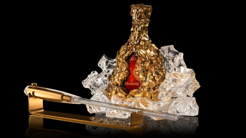 Frank Gehry Réinvente L'Iconique Carafe Hennessy X.O