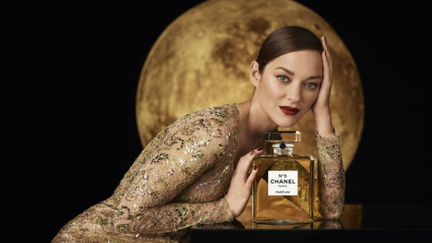 Marion Cotillard Galvanise Le N°5 Over The Moon